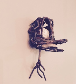 SOCIAL, clay and metal welding, 25cm, 2017